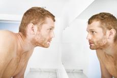 Почему всё больше мужчин обращаются к пластическим хирургам?