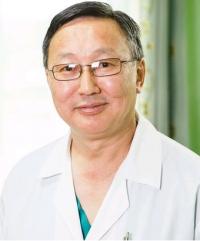 Пластический хирург Валерий Аюшеев