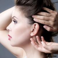 Подтяжка ушных мочек — новый тренд в пластике