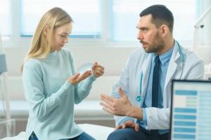 Существует ли болезнь грудных имплантов?