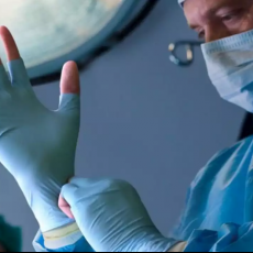 Пластические хирурги, прооперировавшие сами себя