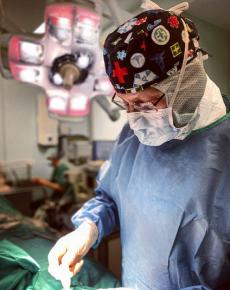Пластический хирург Кирилл Пшениснов оперирует