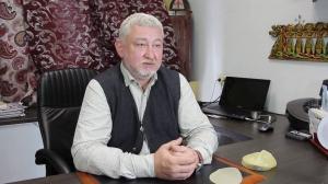 Пластический хирург Алексей Литвин консультирует