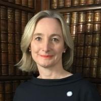 Первый Президент-женщина Британского общества пластических хирургов
