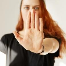 7 предупреждающих знаков, что пластическая операция пойдет не так